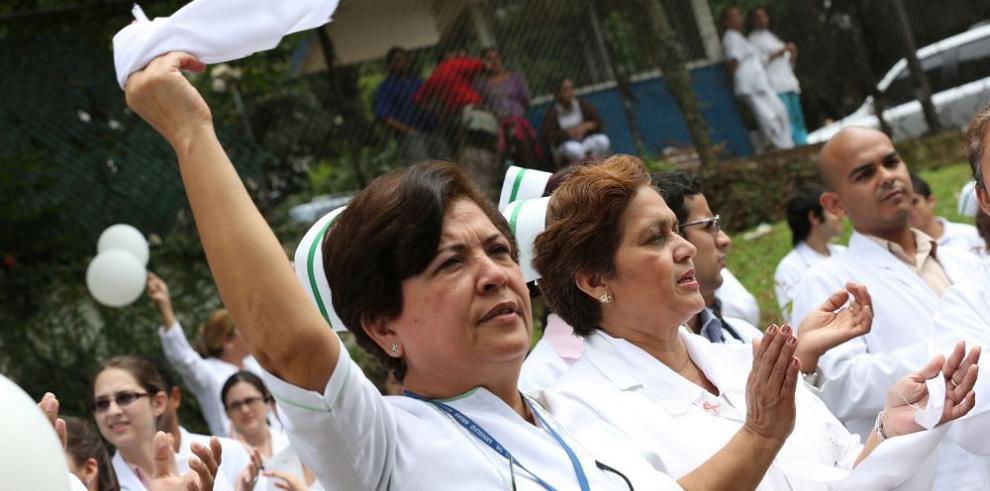 Enfermeras se declaran en estado de alerta