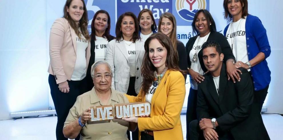 United Way premia a Sor Lourdes