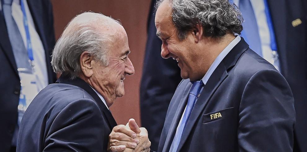 Platini y Blatternegaron el pago de dos millones de franco suizos