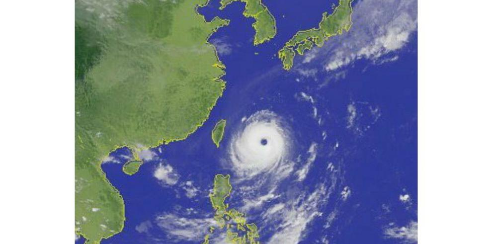 Evacuan a miles por tifón Dujuan