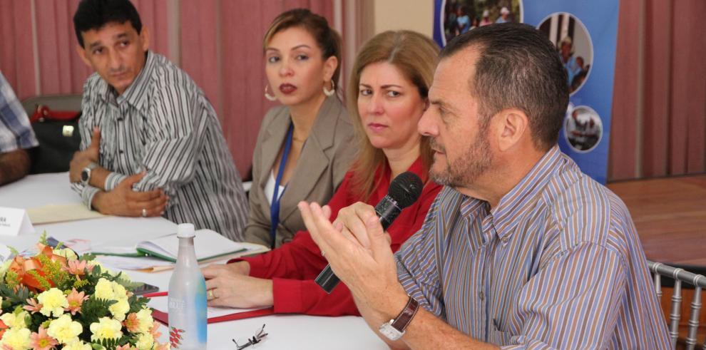 Contralor Humbert respalda el proyecto de descentralización