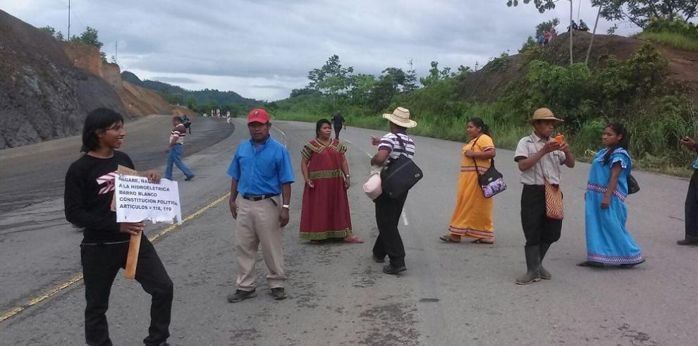 Indígenas evalúan desplegar manifestaciones