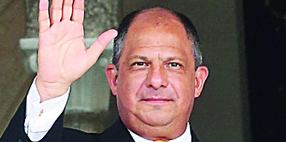 Presidente Solís inicia gira por China
