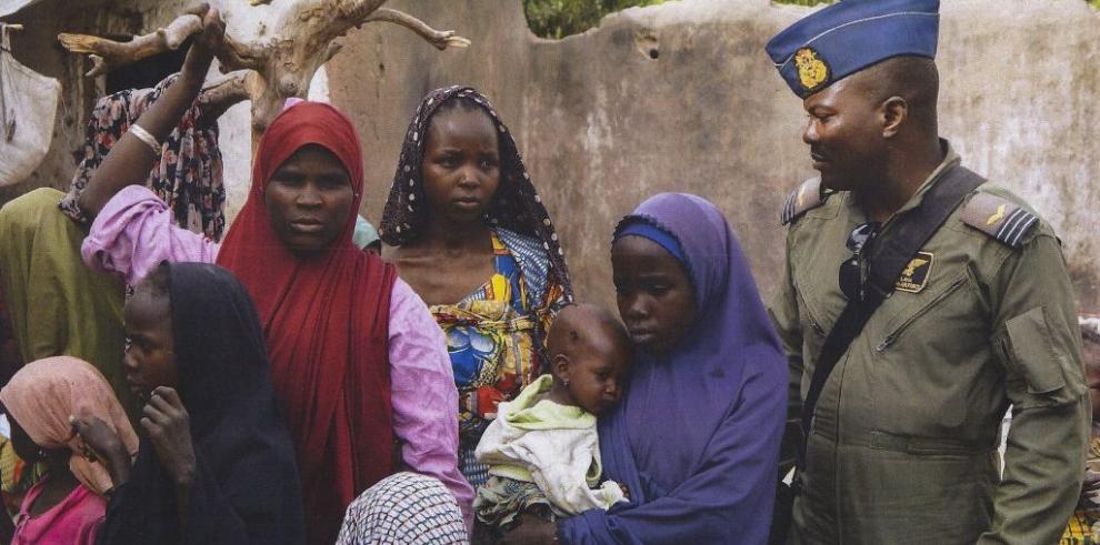 Nigeria libera a más rehenes, no hay noticias de las niñas de Chibok