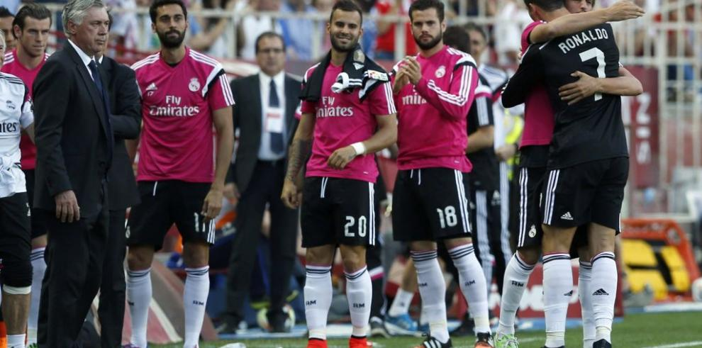 2-3. Ronaldo mantiene vivo al Real Madrid en la lucha por el título