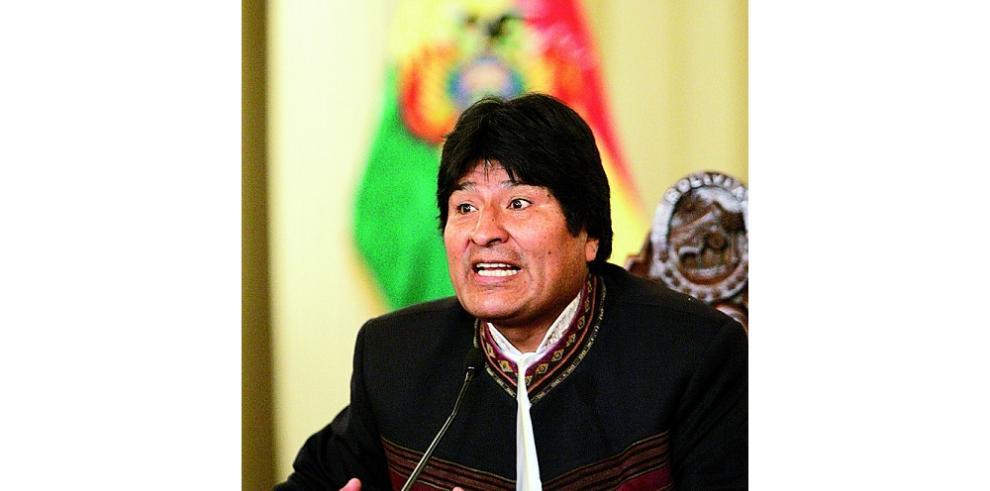Presidente de Bolivia acusa a periodistas de ser de