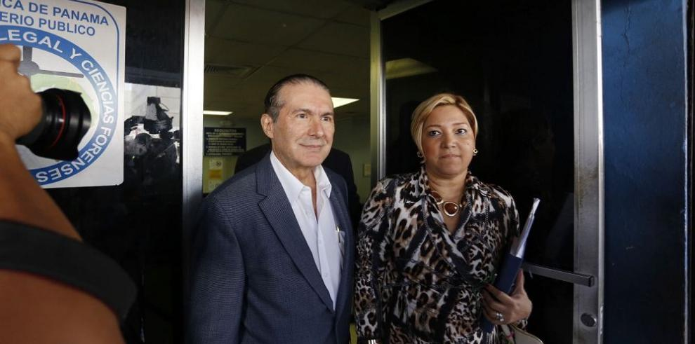 País por cárcel para Roberto Henríquez