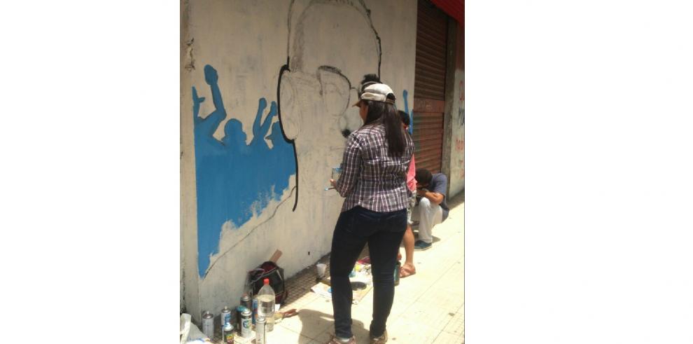 Con un mural artístico