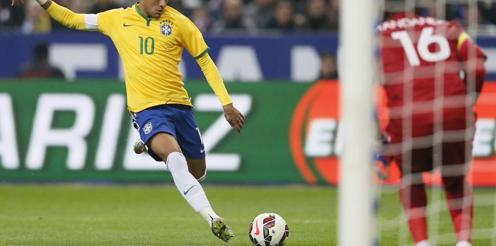 Neymar no tendrá problema para superar a Pelé, según Dunga