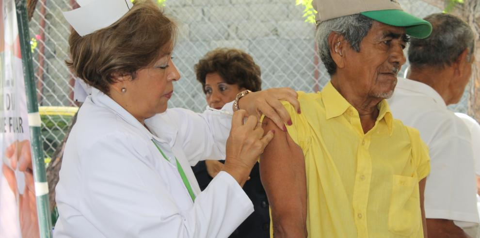 Población adulta acude a Censo de Salud en San Miguelito