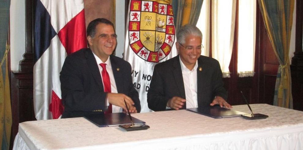 La Alcaldía y el COP firman convenio