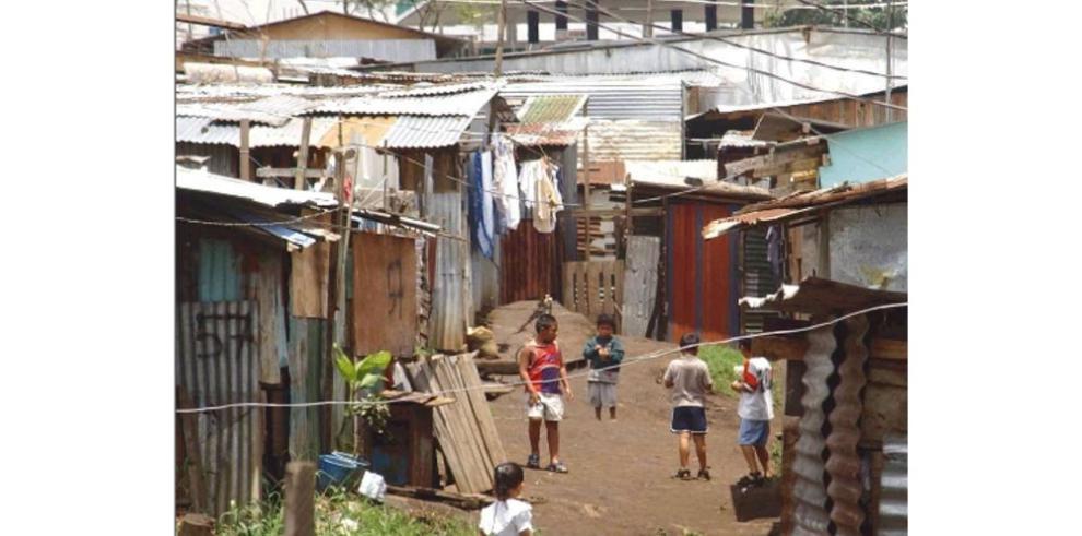 Pobreza se redujo un 2% en 14 años