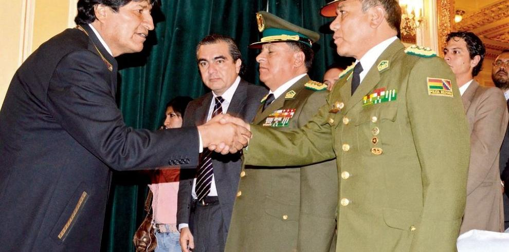 Renuncia ministro tras el escape de Martín Belaunde