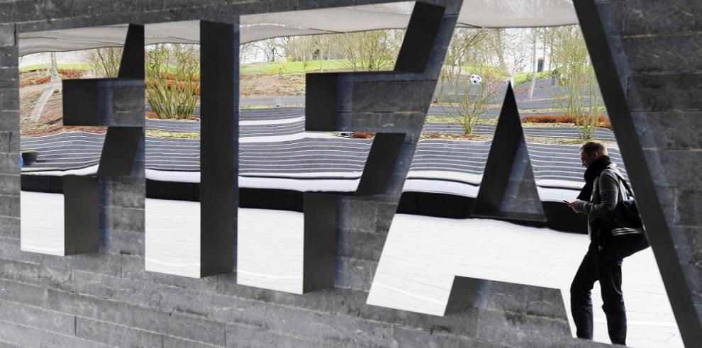 Detienen a jerarcas de FIFA en Zurich por cargos de corrupción en EEUU