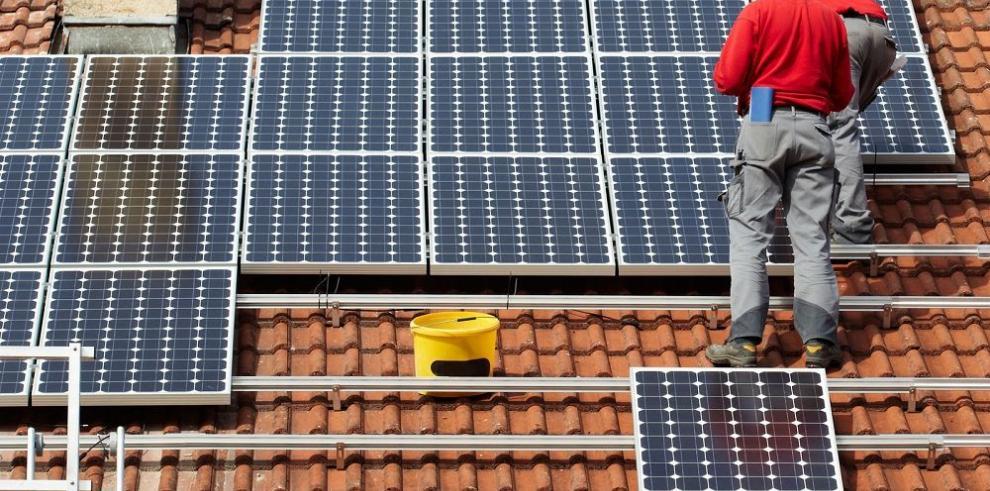Panasonic expandirá su producción de paneles solares para las viviendas
