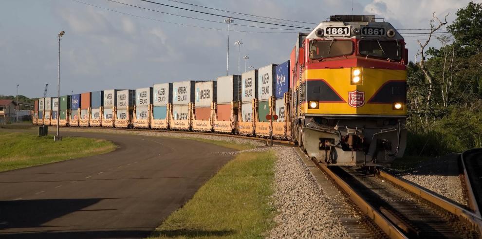 "Mitradel decide someter a ""Arbitraje"" el conflicto del ferrocarril"