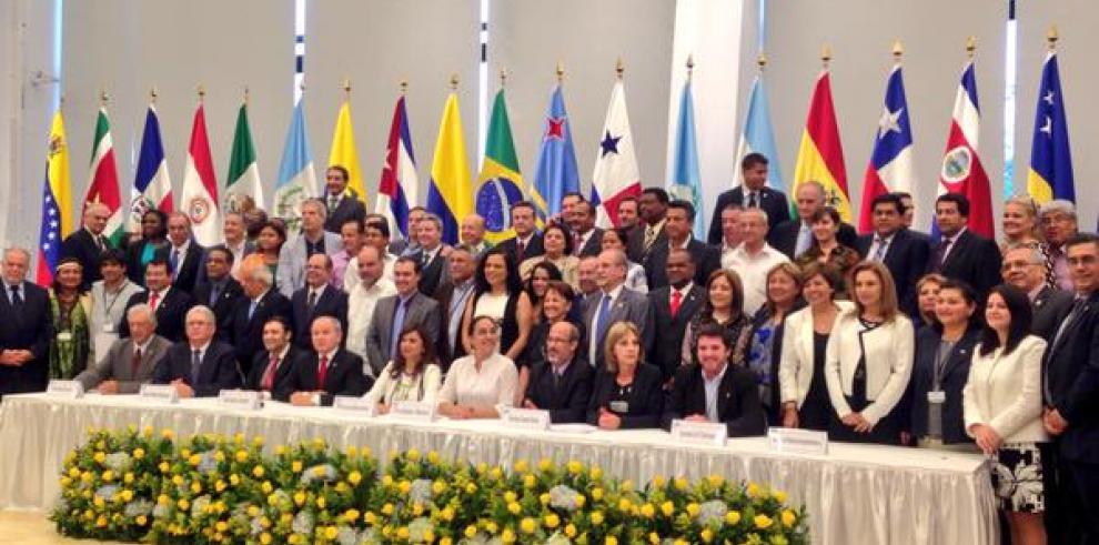 Eligen a Blanca Alcalá como nueva presidenta del Parlatino