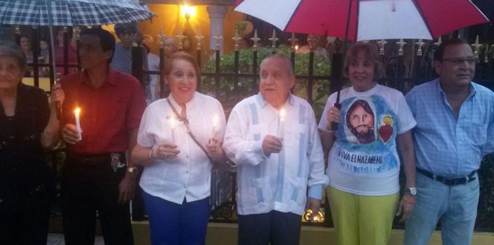 Grupos cívicos marchan en Veraguas en apoyo a Víctor Benavides