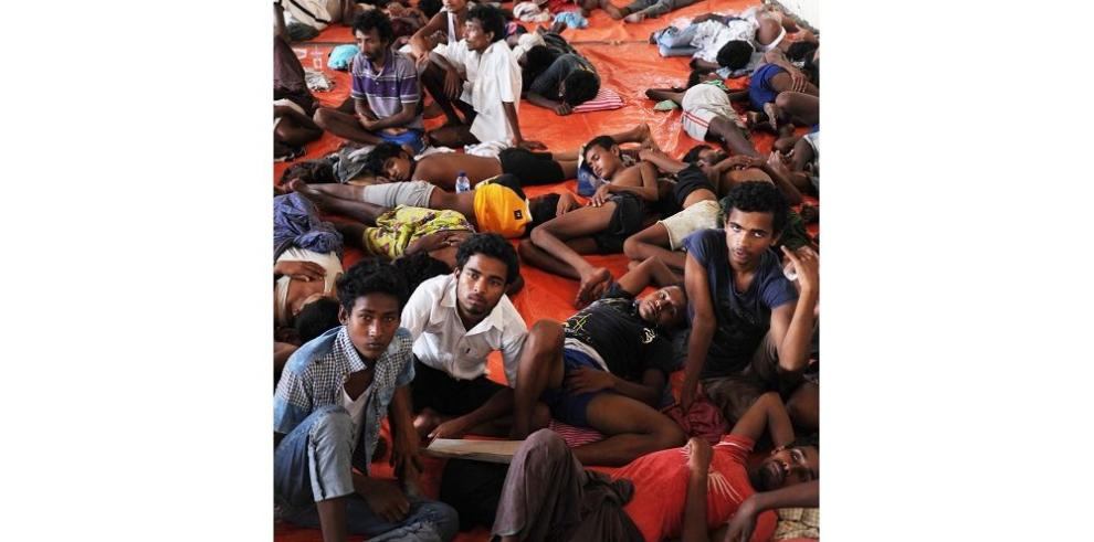 Cerca de mil inmigrantes llegan a la isla de Sumatra