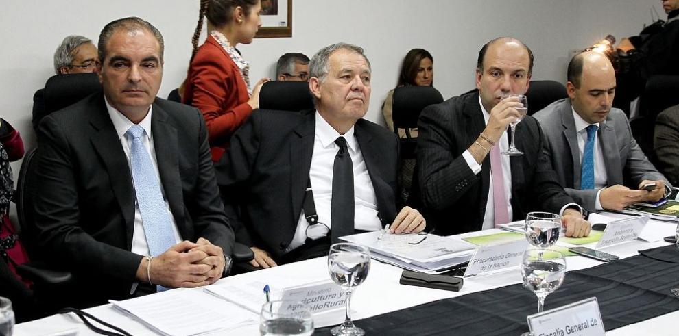 Ministro Pinzón dice que Colombia está produciendo más coca