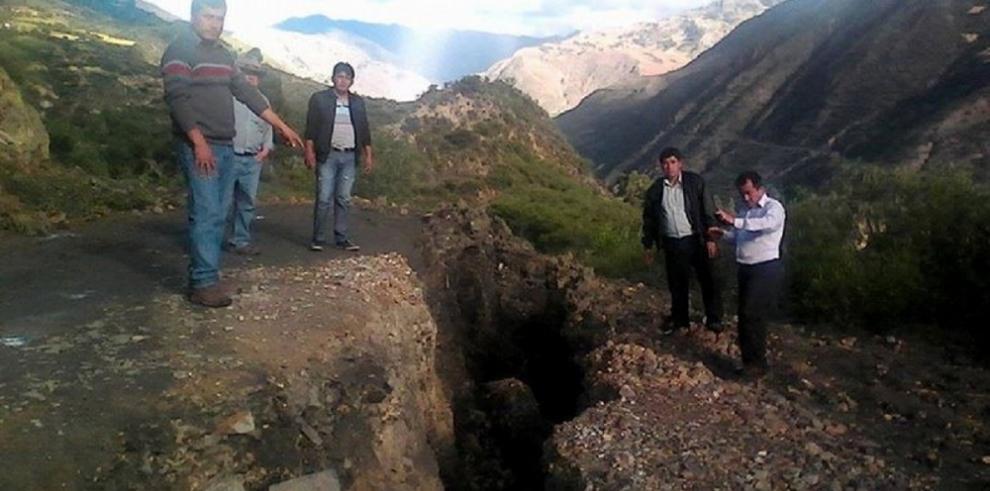 Perú decreta emergencia en distrito andino donde un poblado se hunde