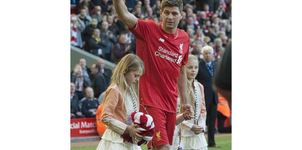Así se despidió Steven Gerrard del Anfield