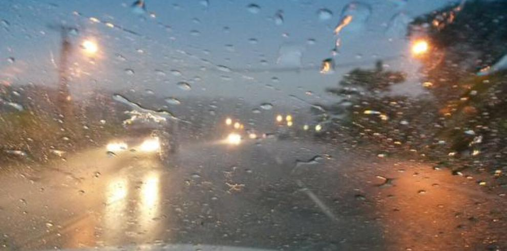 Alerta de lluvias con tormentas para Colón
