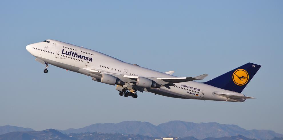 Aerolínea Lufthansa no volará sobre el Sinaí hasta aclarar tragedía