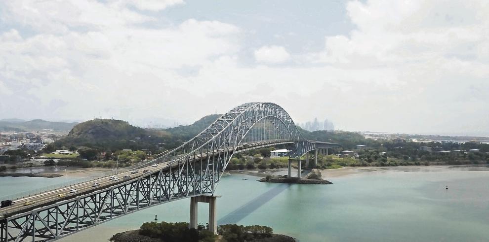 El Puente de las Américas, el primero en cruzar el Canal