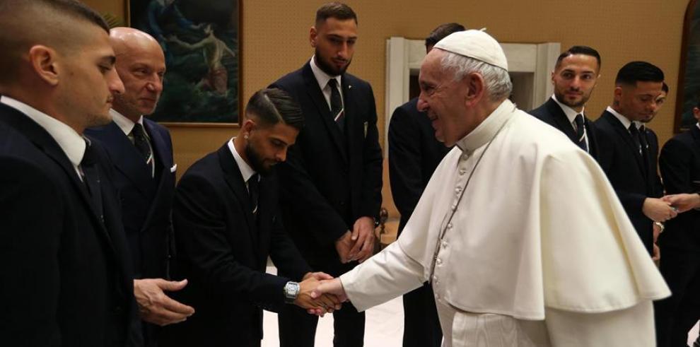 Papa y la selección de Italia