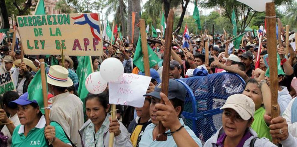 Sindicatos y gobierno a diálogo tras la huelga