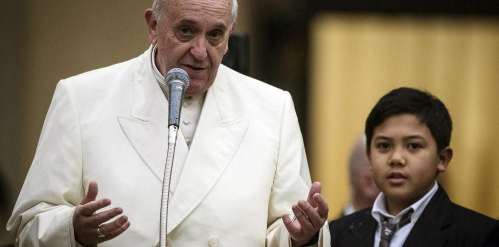 El papa critica la corrupción de la clase política