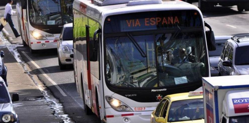 Mi Bus realizará desvíos por los desfiles del 10 de noviembre