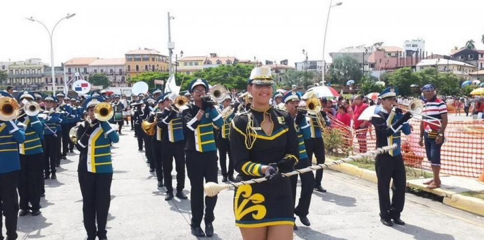 Panameños rindieron honor a los Símbolos Patrios, el 4 de noviembre
