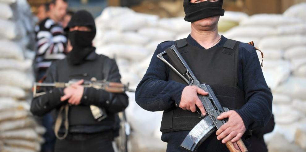 Rebeldes rechazan acuerdo de Ginebra