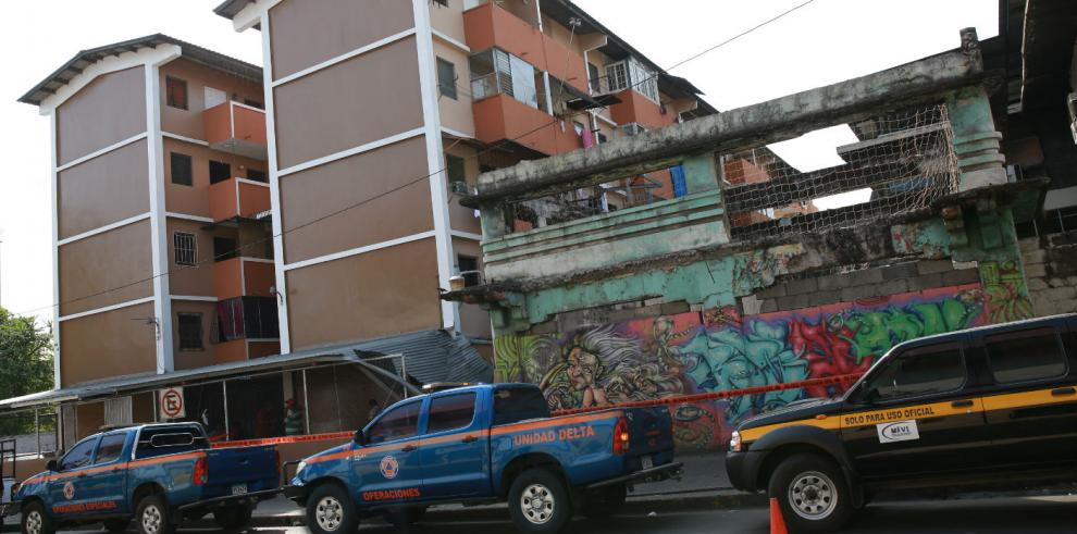 Vecinos de Calidonia temen que otras estructuras colapsen