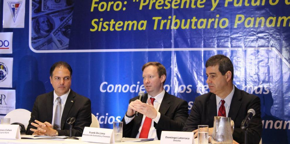 OCDE fuerza el brazo a Panamá