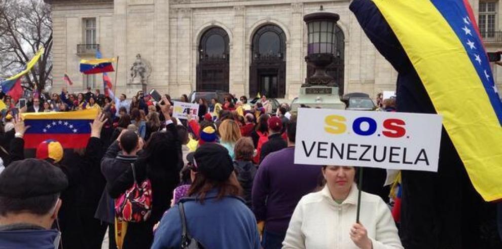 Rechazan propuesta para tratar tema de Venezuela, protestas en sede de OEA