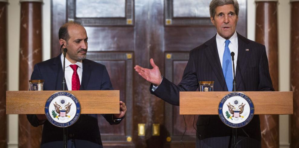 Kerry recibió a líder de los opositores sirios