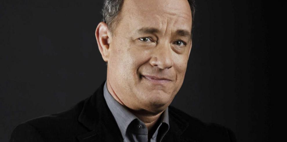 Tom Hanks se quedó sin carro y le tocó andar en burro por el desierto