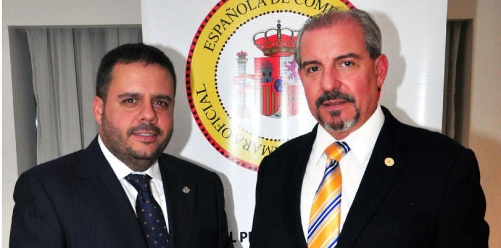 Alejandro Pérez toma posesión