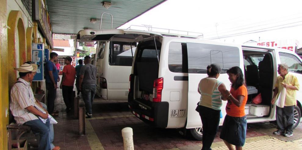 Transportistas paralizan servicio