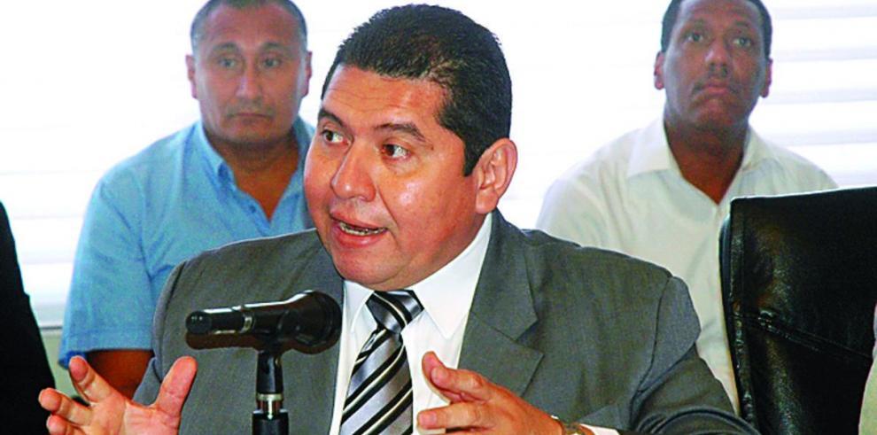 Corte Suprema exonera al exdiputado De León, del PRD
