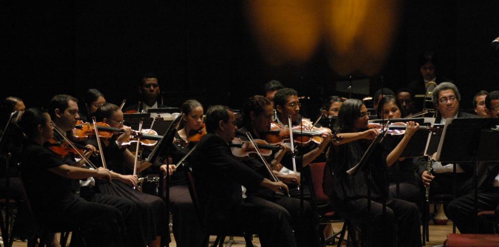 Noche de clásicos en el Teatro Nacional