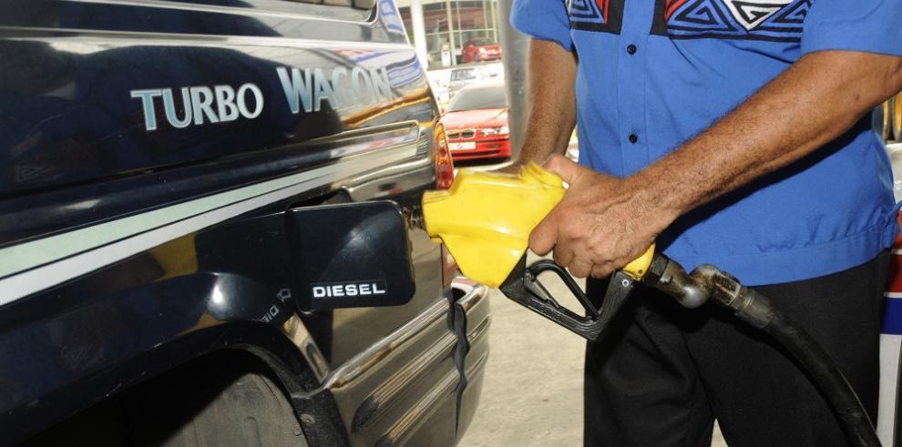 Anuncian nuevos precios del combustible a partir de este viernes