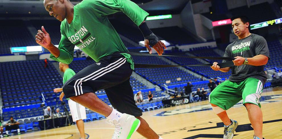 Rondo aún en duda para primer partido de Celtics