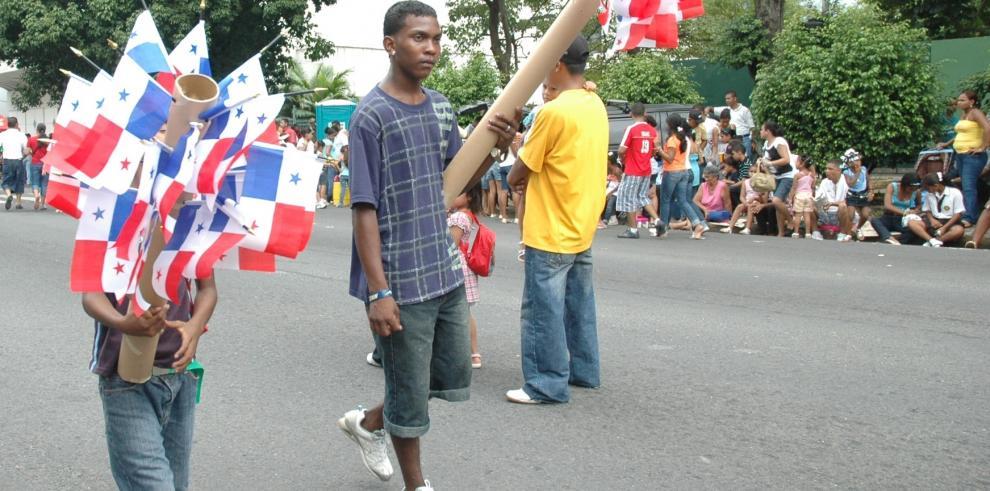 130 puestos dará la Alcaldía de Panamá para los desfiles patrios