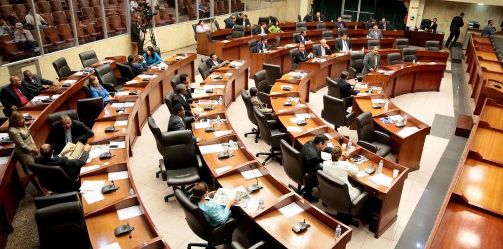 Pacto por gobernabilidad llevará a la contralora al pleno legislativo