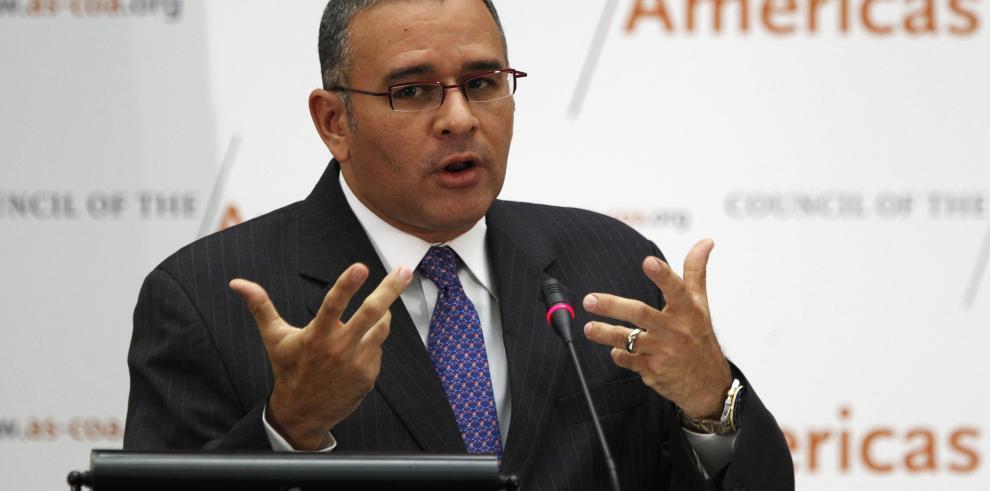 El expresidente salvadoreño Funes es operado de cadera por segunda vez