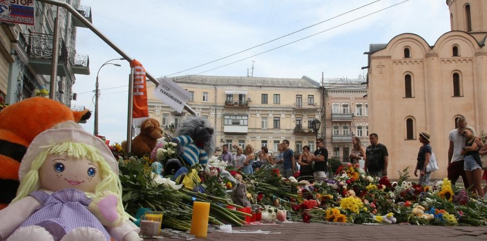 Tributo a víctimas de avión caído de Malaysia Airlines en Ucrania